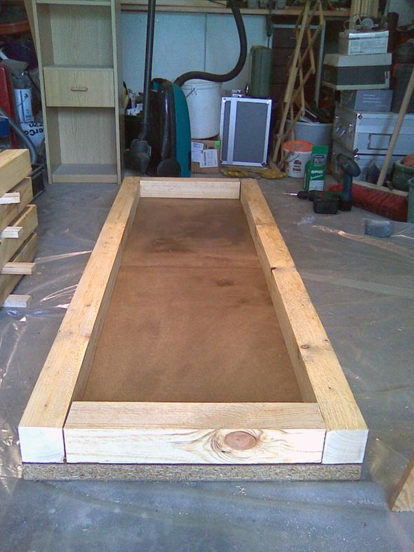Bodenplatte mit den ersten Kanthölzern